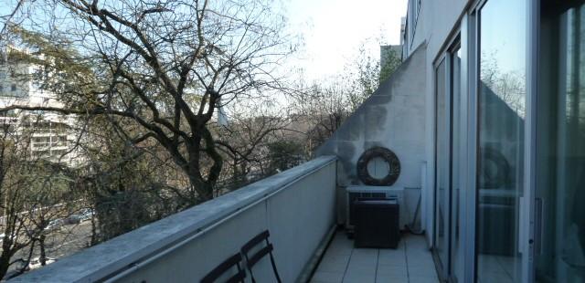 DU MONDE AU BALCON (Neuilly)